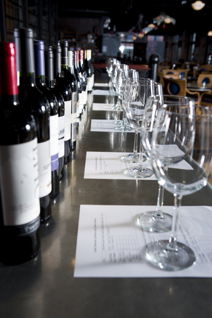How to Host a Successful Wine Tasting Party