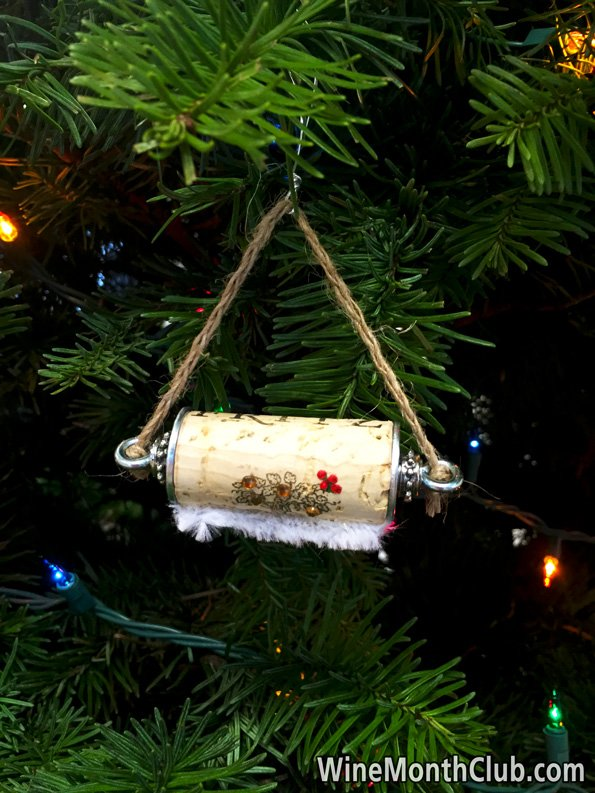Hanging-Wine-Cork